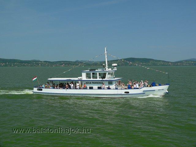 AQUA PANNONIA motoros személyhajó