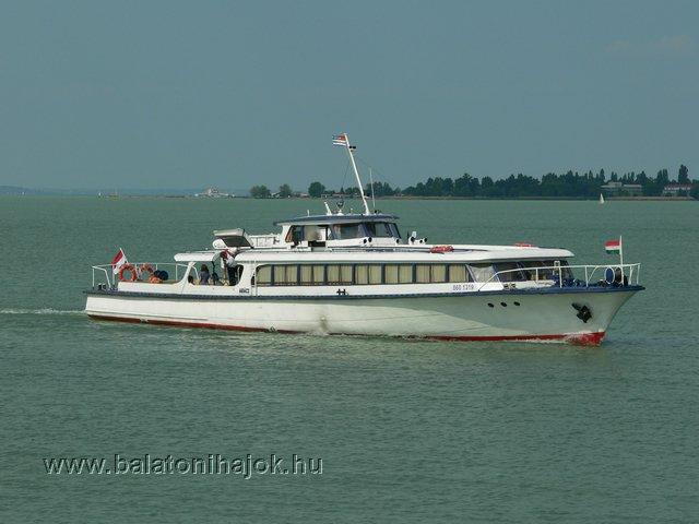 ARÁCS motoros személyhajó