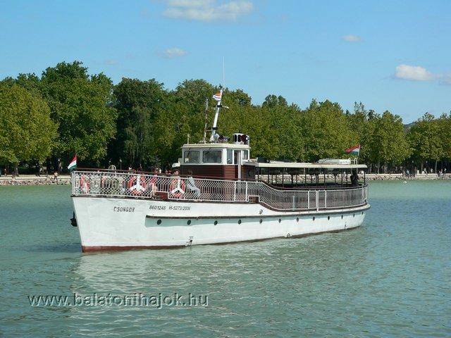 CSONGOR motoros személyhajó