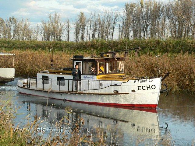 ECHO motoros hajó