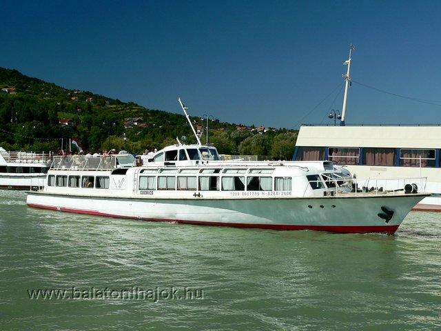 EDERICS motoros személyhajó