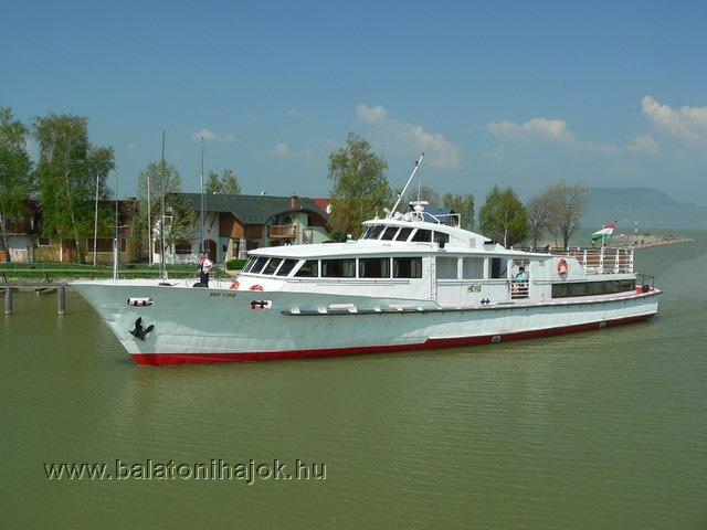 HÉVÍZ motoros személyhajó