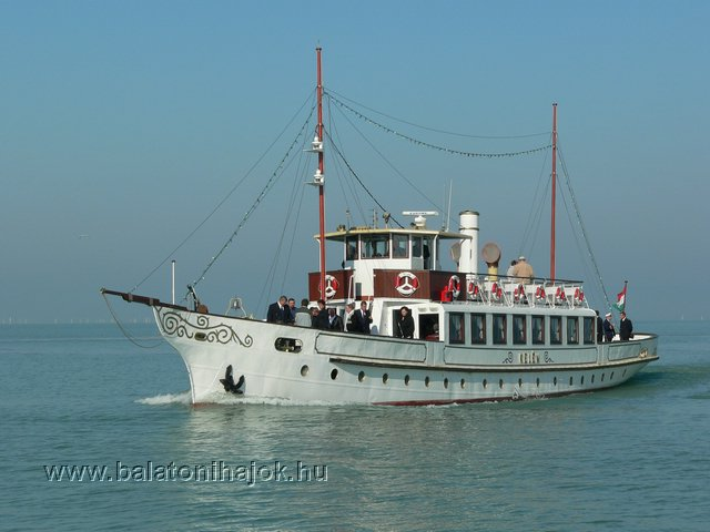 KELÉN motoros személyhajó