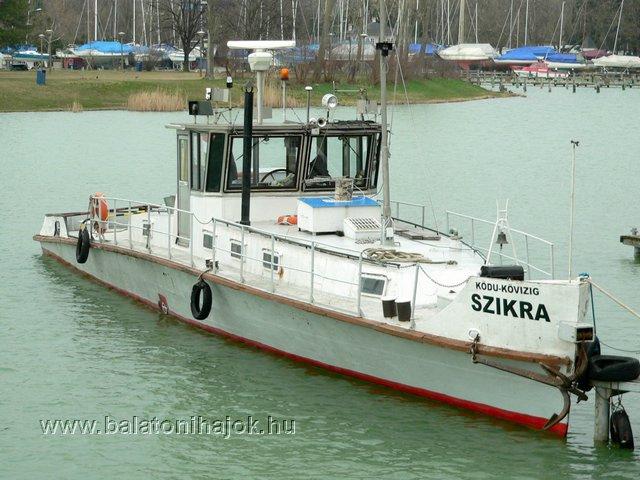 SZIKRA motoros szolgálati hajó