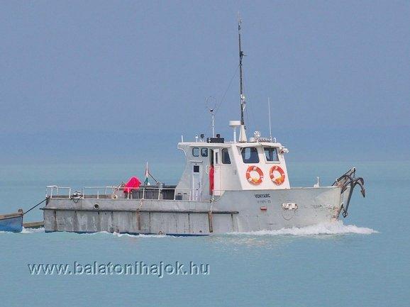 VONYARC halászhajó